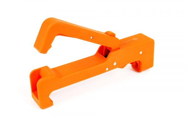 Kids can easily change sawblades with the fretsaw tensioner!