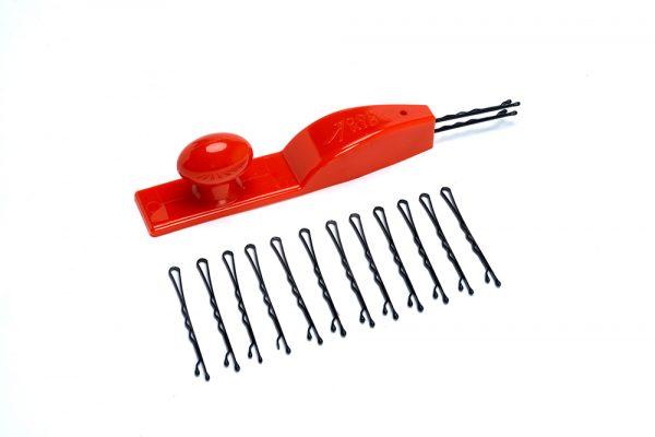 Super practical nail holder for safe hammering!